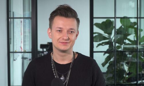 Paweł Tur: Nie chcę być gwiazdeczką jednego sezonu czy dwóch piosenek. Tworzę duży materiał i chcę zawojować rynek